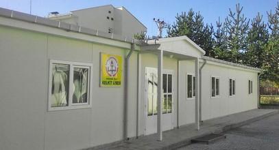 Karmod ha realizzato un edificio scolastico prefabbricato